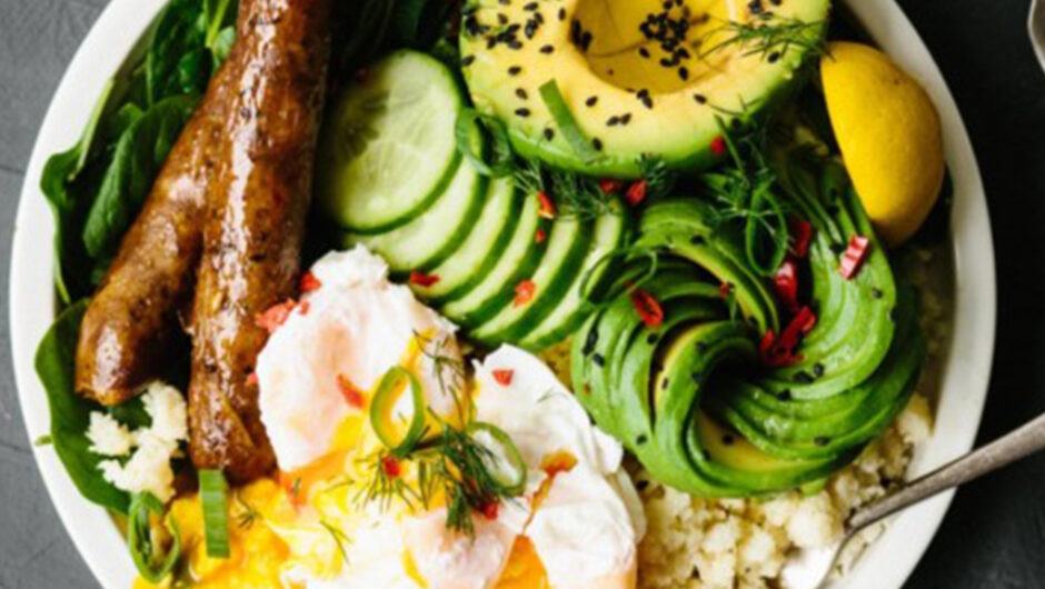 Easy Keto Breakfast Recipes With 10 Carbs or Less